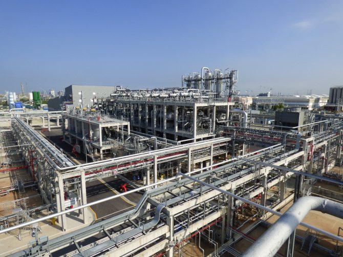 日本ゼオンのシンガポール工場